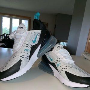 Nike AirMax 270's
